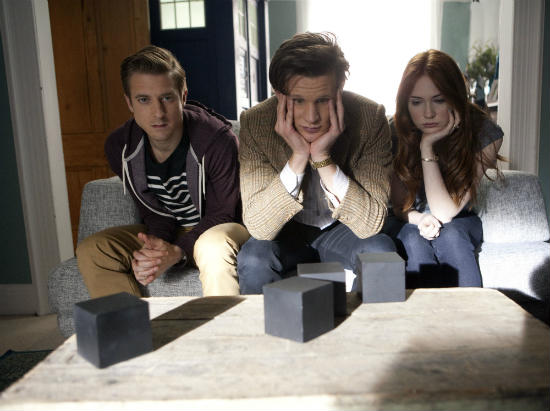 arthur-darvill-matt-smith-karen-gillan-doctor-who-the-power-of-three-series-7